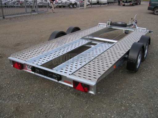 Dvouosý brzděný přívěs k přepravě automobilů PA 2,0 č.24