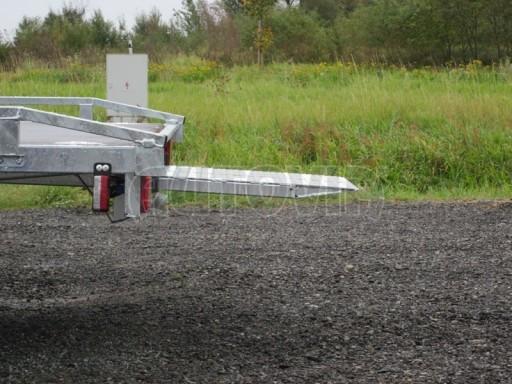Dvouosý brzděný přívěs s hydraulicky sklopnou plochou AD speciál plato 2,7t 4,15/1,88** č.59