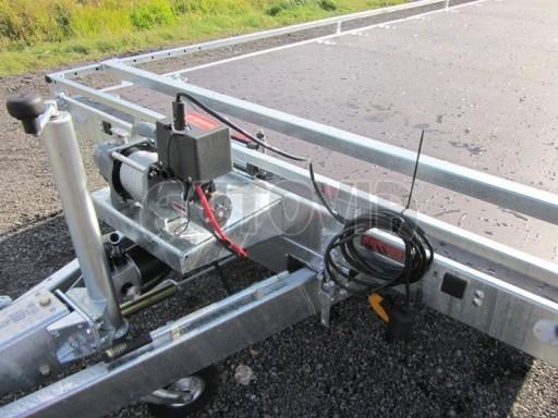 Dvouosý brzděný přívěs s hydraulicky sklopnou plochou AD speciál plato 2,7t 4,15/1,88** č.79