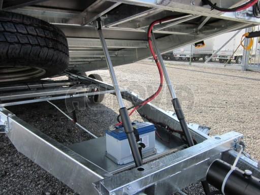 Dvouosý brzděný přívěs s hydraulicky sklopnou plochou AD speciál plato 2,7t 4,15/1,88** č.81