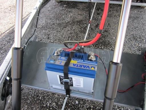 Dvouosý brzděný přívěs s hydraulicky sklopnou plochou AD speciál plato 2,7t 4,15/1,88** č.82