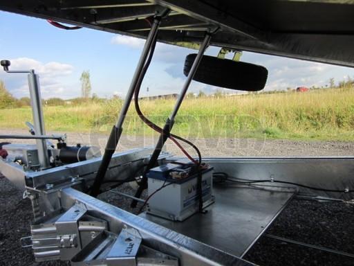 Dvouosý brzděný přívěs s hydraulicky sklopnou plochou AD speciál plato 2,7t 4,15/1,88** č.83