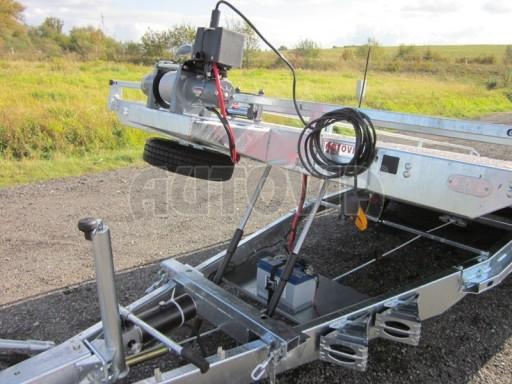 Dvouosý brzděný přívěs s hydraulicky sklopnou plochou AD speciál plato 2,7t 4,15/1,88** č.89