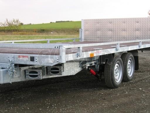 Dvouosý brzděný přívěs s hydraulicky sklopnou plochou AD speciál plato 2,7t 4,15/1,88** č.174