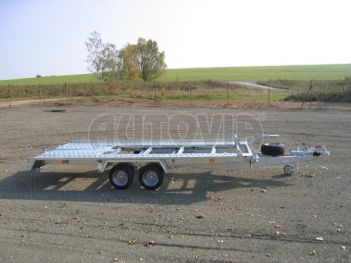 Dvouosý brzděný přívěs k přepravě automobilů KAR 09A č.18