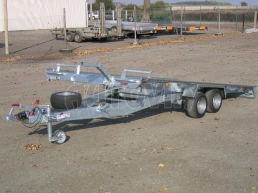 Dvouosý brzděný přívěs k přepravě automobilů KAR 09A č.3