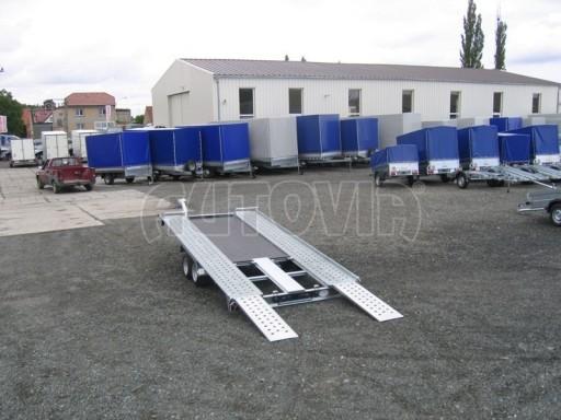 Dvouosý brzděný přívěs k přepravě automobilů KAR 09A č.80