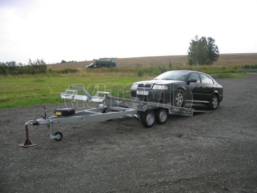 Dvouosý brzděný přívěs k přepravě automobilů KAR 09A č.81