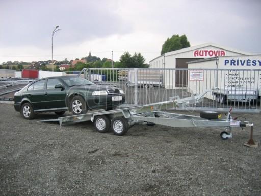 Dvouosý brzděný přívěs k přepravě automobilů KAR 09A č.83