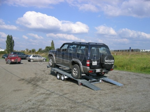 Dvouosý brzděný přívěs k přepravě automobilů KAR 09A č.130