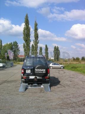 Dvouosý brzděný přívěs k přepravě automobilů KAR 09A č.131