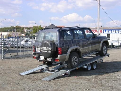 Dvouosý brzděný přívěs k přepravě automobilů KAR 09A č.1