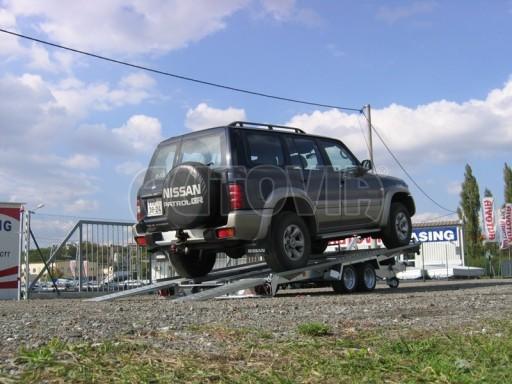 Dvouosý brzděný přívěs k přepravě automobilů KAR 09A č.132
