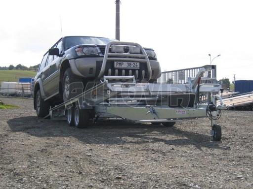Dvouosý brzděný přívěs k přepravě automobilů KAR 09A č.138