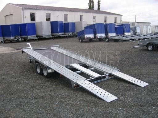 Dvouosý brzděný přívěs k přepravě automobilů KAR 09A č.142