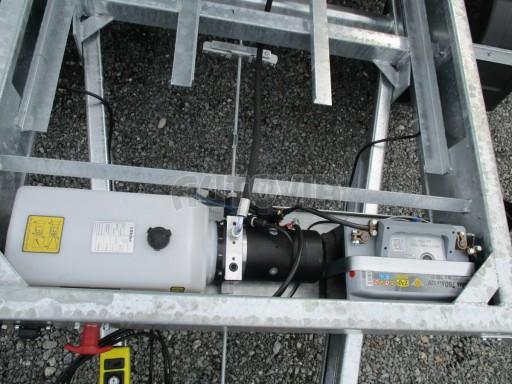 Třístranný sklápěč VER 3SKS 3,5T 3,05x1,76/0,30 el č.12