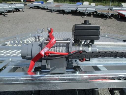 Přepravník SUV a mechanizace JB 3,5T 5,00x2,10 PLATO el.naviják* č.6