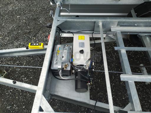 Třístranný sklápěč VER 3SKS 2,7T 3,35x1,76/0,60 el nástavba č.26
